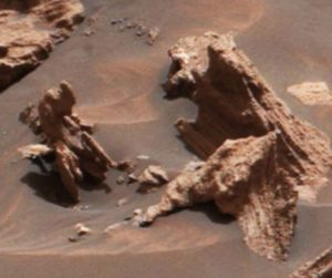 Stone statues in Mars